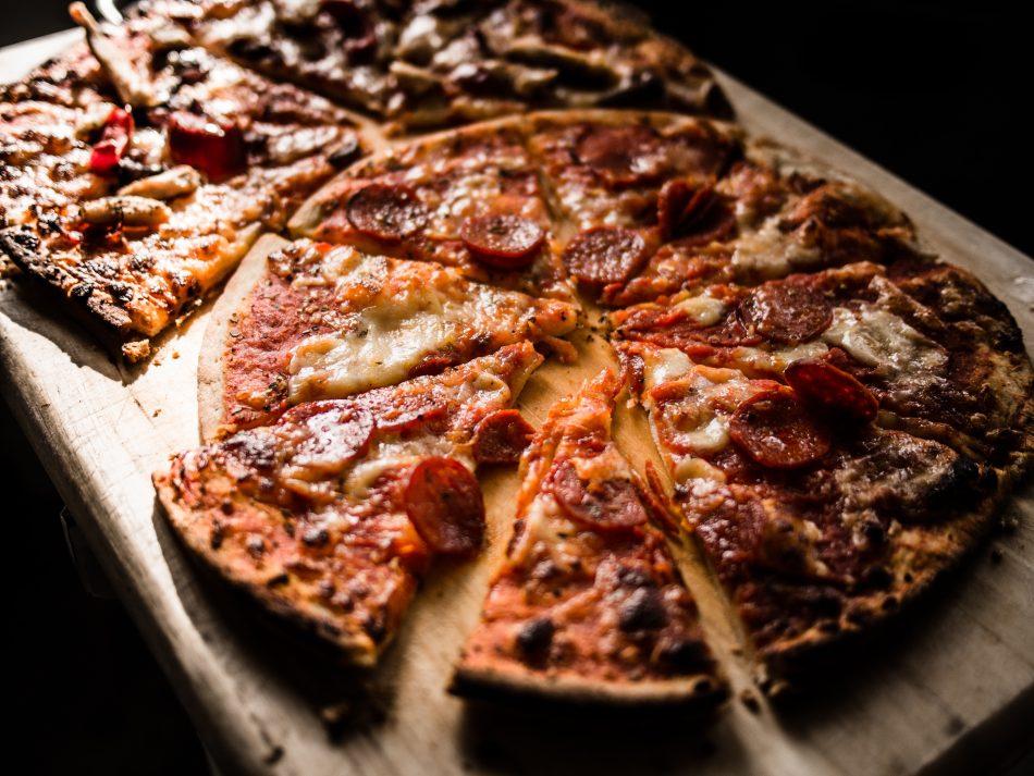 3 recettes de pizza cétogènes - Régime cétogène
